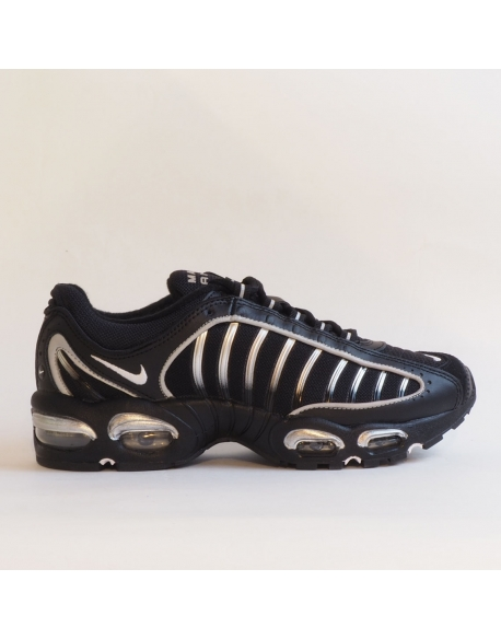 NIKE AIR MAX TAILWIND IV BLACK/WHITE METALLIC SILVER