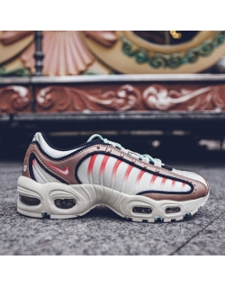 NIKE AIR MAX TAILWIND IV MTLC RED BRONZE/TEAL TINT-PURE PLATINUM