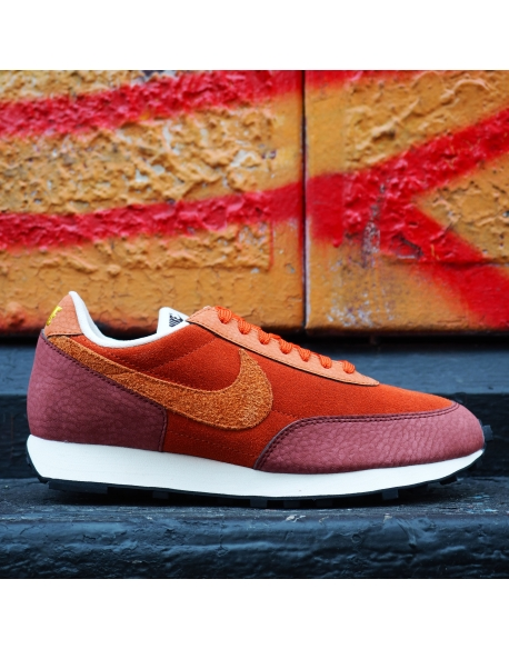 NIKE DAYBREAK RUGGED ORANGE/DESERT ORANGE-PUEBLO BROWN