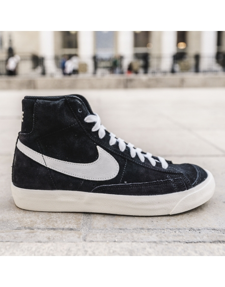 NIKE BLAZER MID '77 BLACK/PURE PLATINUM-SAIL-WHITE