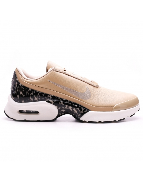NIKE Wmns AIR MAX JEWELL LX SHOE