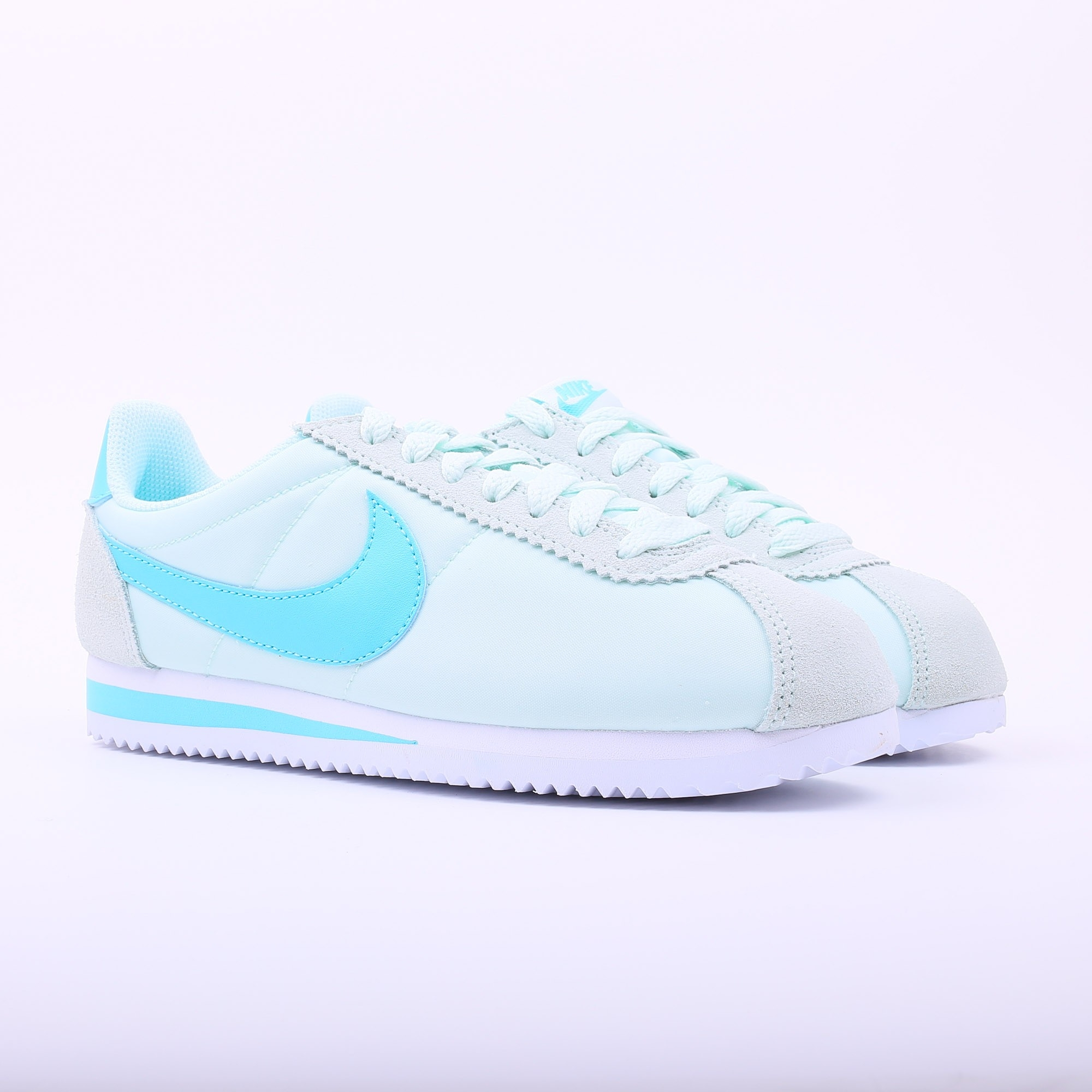 nike wmns classic cortez nylon igloo slash store. Black Bedroom Furniture Sets. Home Design Ideas